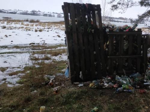 Рівненський рибоохоронний патруль виявив стихійне сміттєзвалище в прибережній смузі Хрінницького водосховища